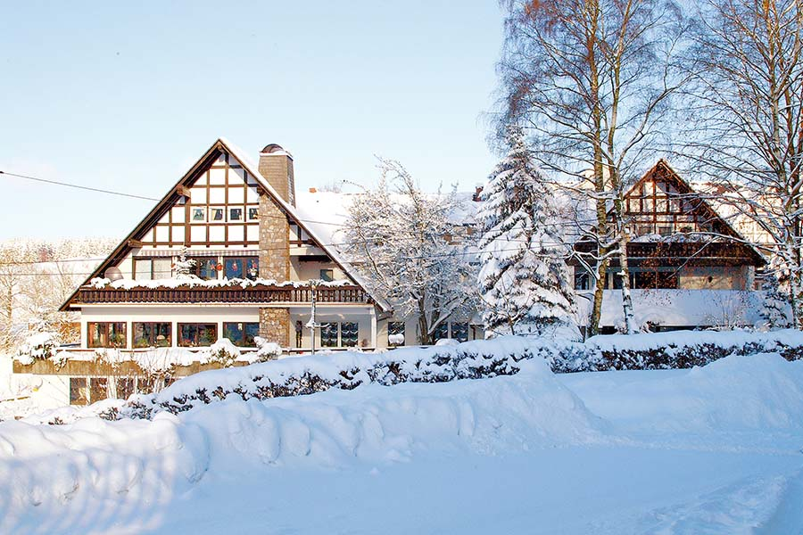Winter-Bild-Ferienhotel Stockhausen